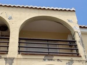 desprendimiento de revestimientos por daños estructurales